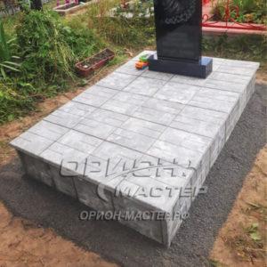 Подиум из тротуарной плитки гранилит 1